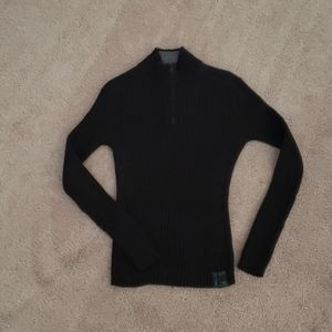 Soft thick ribbed sweater zip vneck